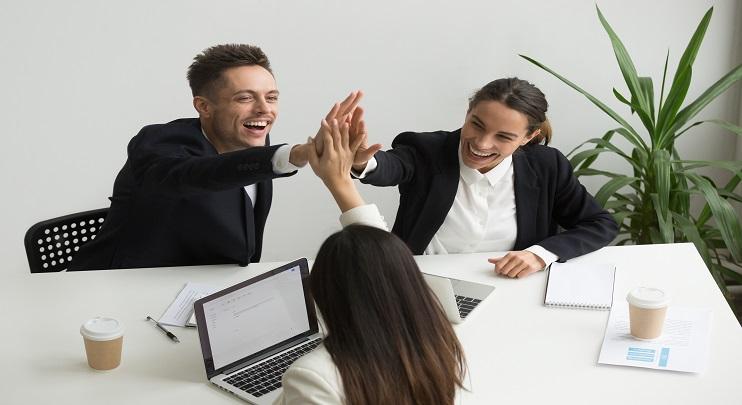 כיצד תניעו את אנשי המכירות לביצועים